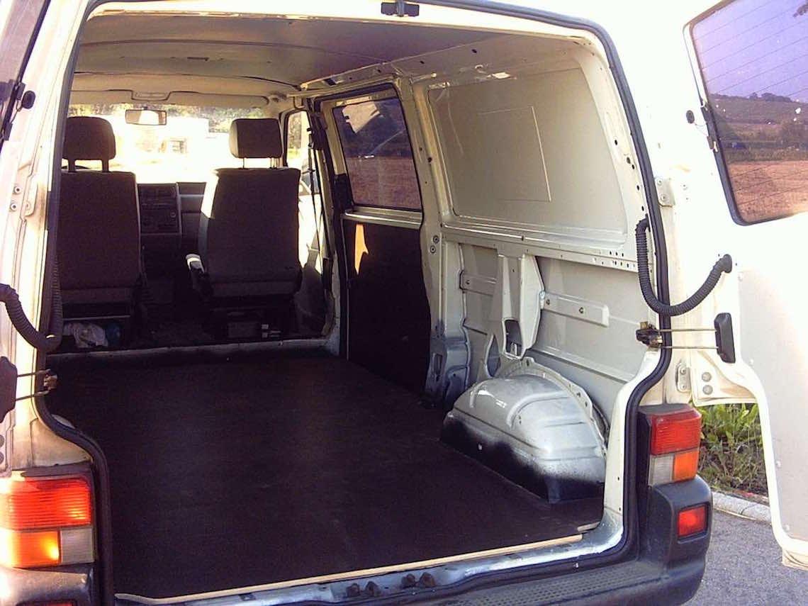 vom transporter zum camper die ersten drei schritte refit to travel. Black Bedroom Furniture Sets. Home Design Ideas