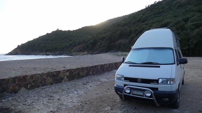 VW Bus auf Korsika Stellplatz bei Partinello