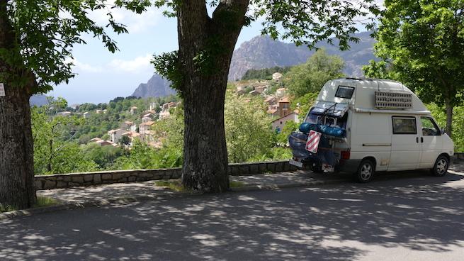 VW Bus auf Korsika Spelunca