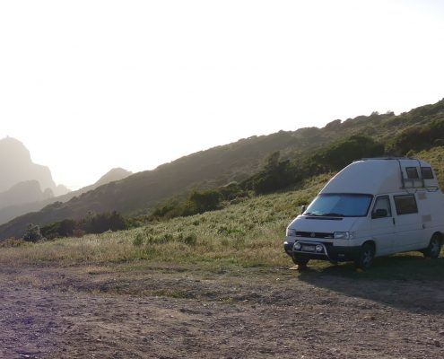 VW Bus auf Korsika Wanderparkplatz bei Piana Beitrag